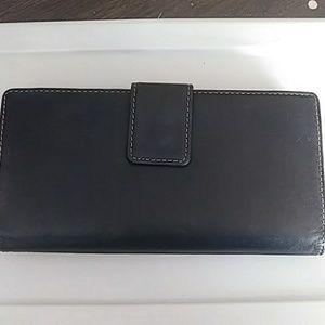 NWOT Mundi Leather Wallet